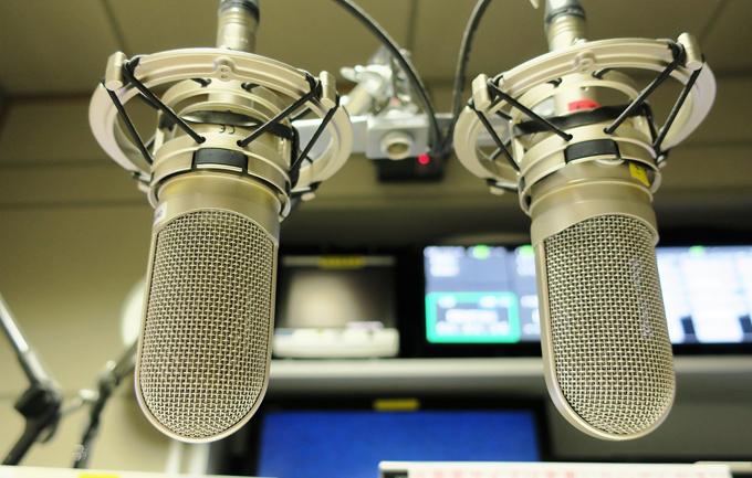 ラジオパーソナリティの仕事内容とは?やりがいや魅力について解説 ...